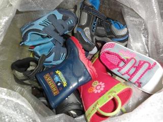 Dětská celoroční obuv 240 Kč 9f69718107